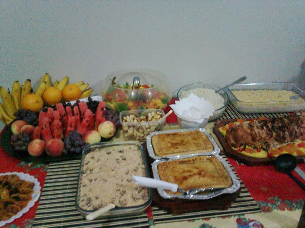 comida na mesa.jpg